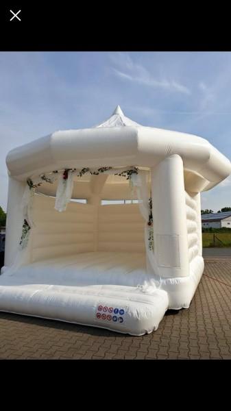 Hochzeits Hüpfburg